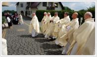 Parafia p.w. Najświętszej Rodziny w Małych Kozach - Konsekracja kościoła