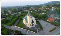 Parafia p.w. Najświętszej Rodziny w Małych Kozach | foto: Szymon Prus | http://naddachami.pl/